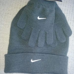 Nike Youth Hat and Glove Set